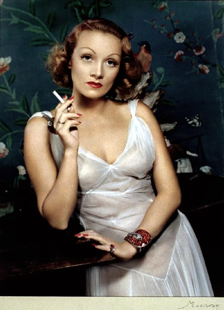 1940s_1950s_pin_up_girls_Dietrich_Marlene-1